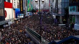 Zehntausende für mehr Demokratie in Hongkong