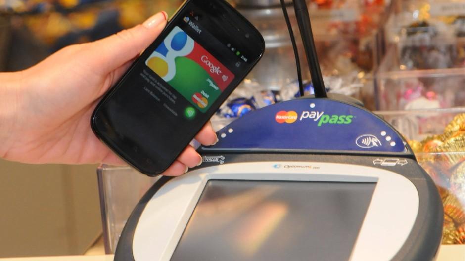 Im Trend: Die Deutsche Telekom will ihre NFC-Bezahllösung noch 2013 nach Deutschland bringen