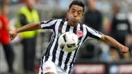Hoffnungsträger: Marco Fabián will dem Sturmspiel der Eintracht neues Leben einhauchen.