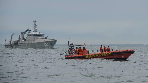 Flugschreiber von vermisster Boeing im Meer gefunden