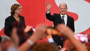 SPD und CDU beanspruchen Kanzleramt