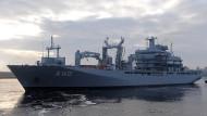 """Auf dem Weg in die Ägäis: Das deutsche Versorgungsschiff """"Bonn"""""""