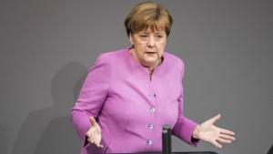 Merkel rüffelt Türkei für Nazi-Vergleiche