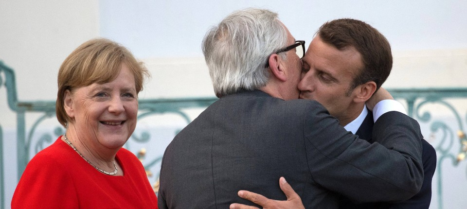 Bundeskanzlerin Angela Merkel, EU-Kommissionspräsident Jean-Claude Juncker und Frankreichs Staatspräsident Emmanuel Macron am 19. Juni auf Schloss Meseberg