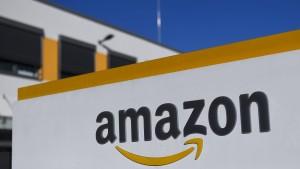 Zentralrats-Präsident kritisiert Amazon für Verkauf von Nazi-Artikeln