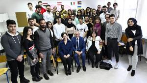 Niederösterreich will Flüchtlinge zur Dankbarkeit verpflichten