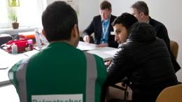 Einige Syrer verlassen Deutschland Richtung Heimat