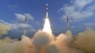 Indien schießt 104 Satelliten mit einer Rakete ins All
