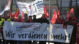 Gewerkschaft macht Druck im Tarifkonflikt