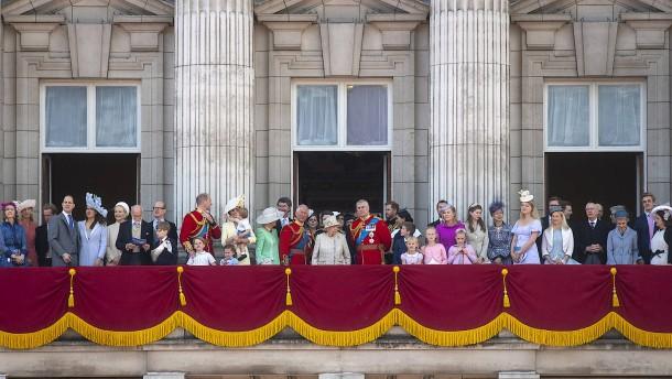 Geburtstagsparade für die Queen – auch Meghan ist dabei