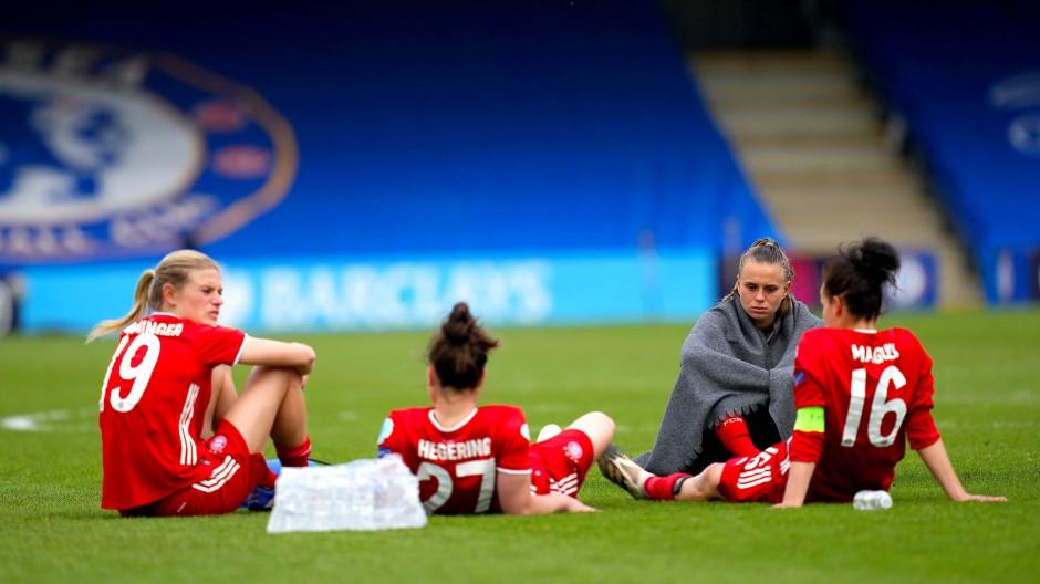 Szene der vergangenen Saison: Gegen den LFC Chelsea mussten die Bayern-Frauen ihren Traum vom Champions-League-Endspiel aufgeben.