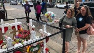 Eine provisorische Gedenkstätte in Dayton erinnert an die Opfer.