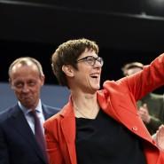 Kontrahenten vereint: Friedrich Merz und Annegret Kramp-Karrenbauer im April in Eslohe