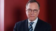 Rudolf Mellinghoff, Präsident des Bundesfinanzhofes, war 2001 bis 2011 Richter des BVerfG