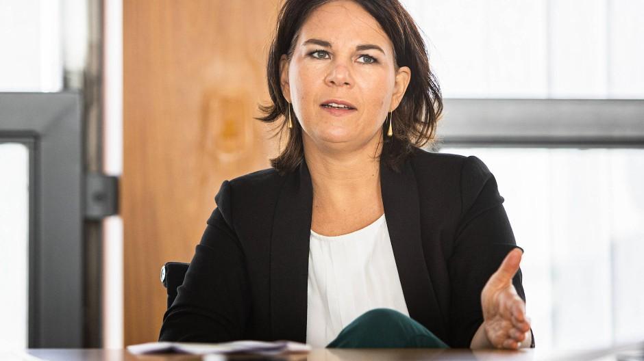 Annalena Baerbock im Verlagsgebäude der F.A.Z.