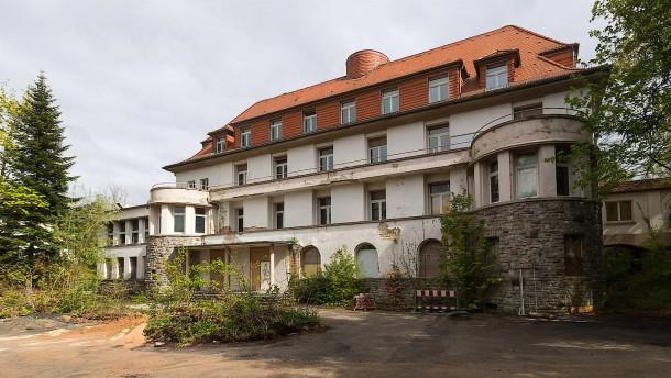 Zwischen Schulneubau und Denkmalschutz