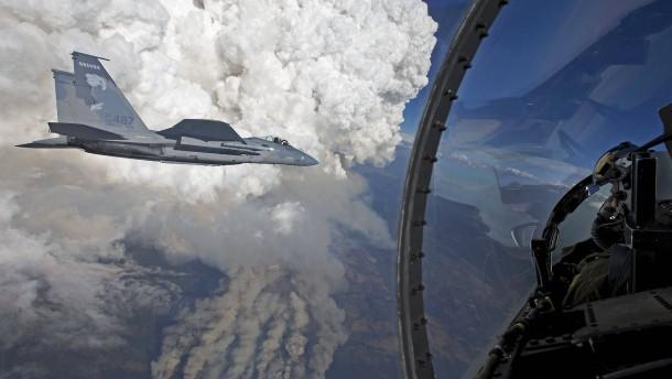 Leiche des Kampfflugzeug-Piloten gefunden