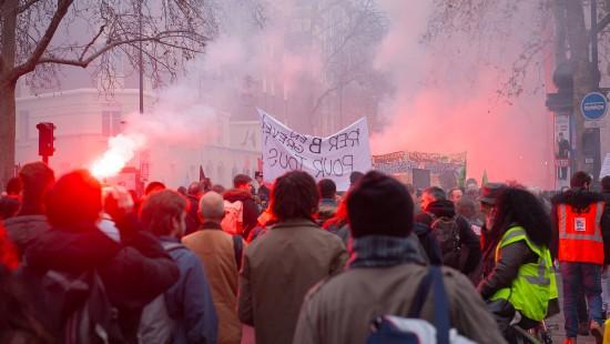 Gewerkschaften drohen mit Streiks über Weihnachten