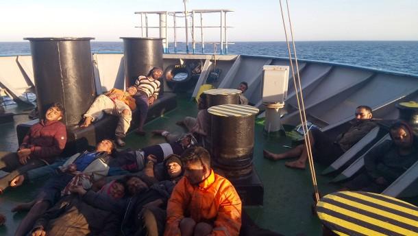 Handelsschiff mit Migranten darf nach Sizilien