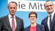 Drei Kandidaten, aber nur ein Vorsitz: Annegret Kramp-Karrenbauer mit Friedrich Merz (l.) und Jens Spahn