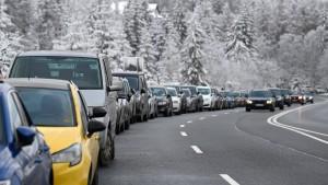 Ansturm auf Skigebiete – allen Bitten zum Trotz