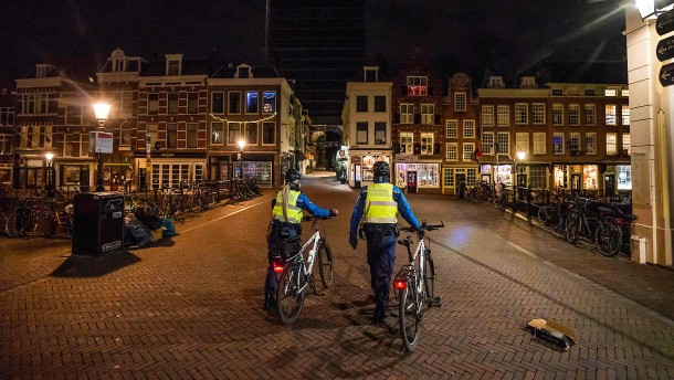 Niederlande verhängen Ausgangssperre wegen Pandemie