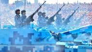 Pekings martialische Waffenschau