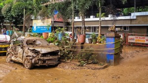 Viele Tote durch Überschwemmungen
