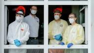 Pandemiebekämpfung vor Ort (fotografiert in Dettelbach am 19. Mai 2021)