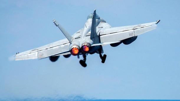 Amerikaner schießen syrisches Kampfflugzeug ab