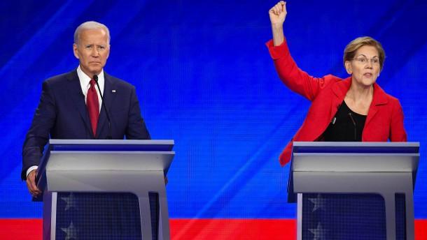 Biden und Warren plädieren für Truppenabzug aus Afghanistan