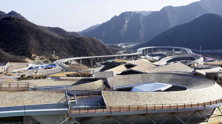 Ein Blick auf das National Sliding Centre, der Austragungsort der Olympischen Winterspiele 2022 Peking für die Wettbewerbe im Bob, Skeleton und Rodeln. Die Olympischen Winterspiele Peking sollen am 4. Februar 2022 eröffnet werden