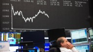 Langfristig gesehen lohnt sich ein Investment in Aktien oft.