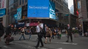 Carlyle hinkt an die Börse