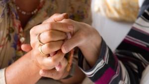 Hilfe bei Konflikten in der Pflege