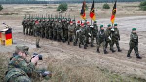 Ischinger fordert mehr Anstrengungen in der Verteidigungspolitik