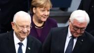 Reuven Rivlin, Angela Merkel und Frank-Walter Steinmeier im Bundestag.