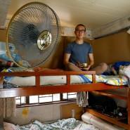 Peter Chang, 23, teilt mit seinem Vater ein fünf Quadratmeter großes Zimmer. Er ist besorgt darüber, dass immer mehr Festlandchinesen nach Hongkong ziehen.