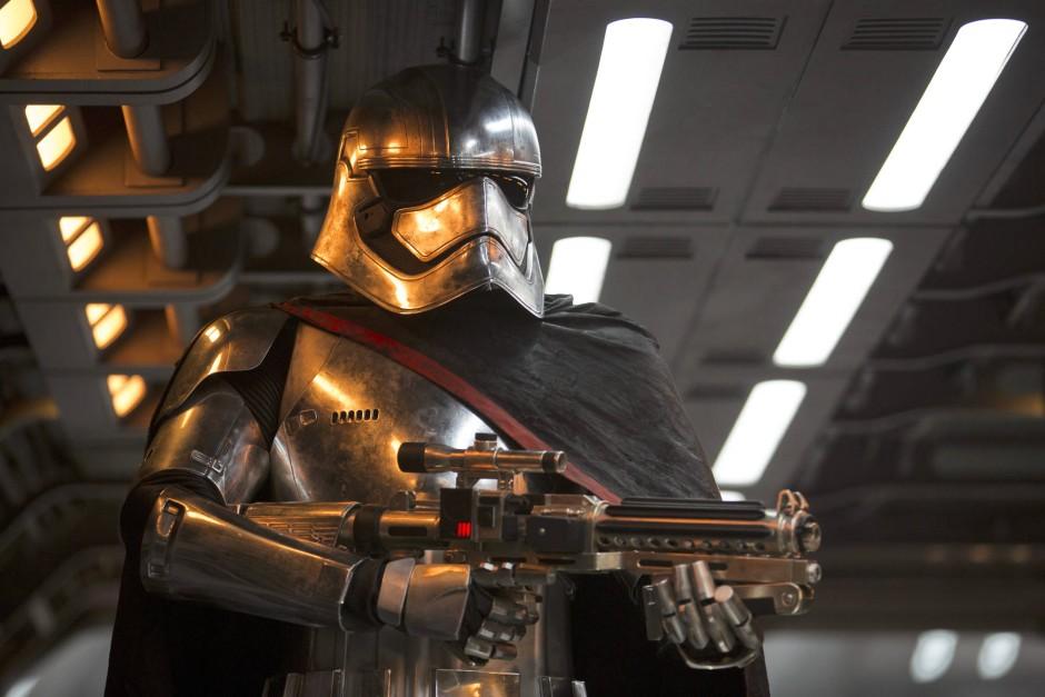 """""""Erster weiblicher Schurke bei Star Wars"""": Captain Phasma"""