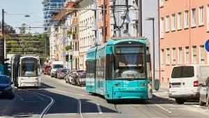 Radfahrerin nach Unfall mit Straßenbahn gestorben
