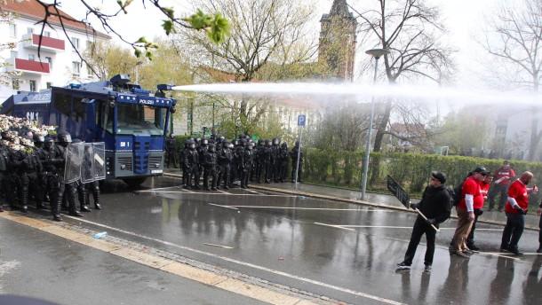 Zusammenstöße von Linken und Rechten in Plauen