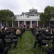 Bei der Veranstaltung im Weißen Haus, bei der Amy Coney Barrett im September als Nominierte Trumps für den Supreme Court vorgestellt wurde, infizierten sich mehrere Politiker mit dem Coronavirus.