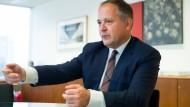 EZB-Direktor erklärt Sparpolitik für fast  beendet