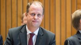 NRW-Integrationsminister stellt sich hinter Abschiebung von Sami A.