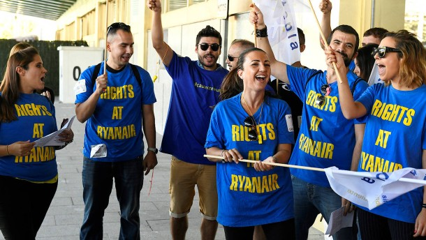Jetzt mischt sich die Regierung in den Ryanair-Konflikt ein