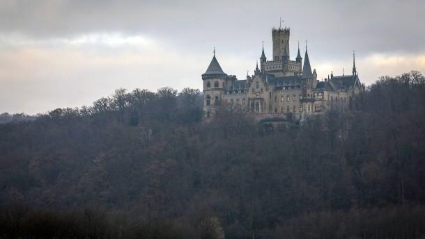 Ernst August junior will künftig allein über Marienburg entscheiden