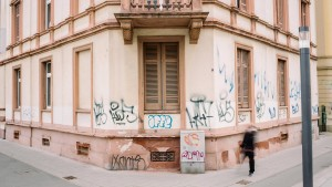 Mietshaus, Fertighaus, Holzhaus