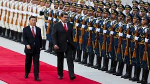 China rückt heimlich von Maduro ab