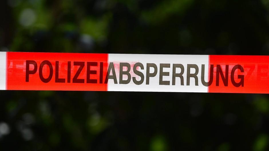 Das Verbrechen kam ans Licht, nachdem vor mehr als zehn Tagen Knochenteile an einem Waldstück in Berlin gefunden worden waren. (Symbolbild)