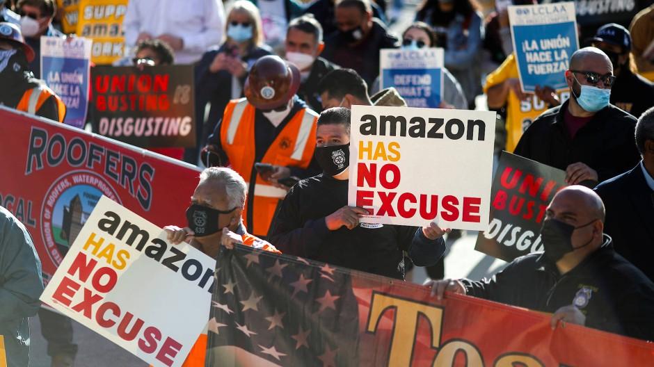 Protest: Demonstranten in Los Angeles bekunden Solidarität für Amazon-Mitarbeiter im Bundesstaat Alabama.